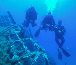 images/scubdivers